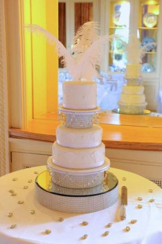 Celebrate-Cakes-Holly-Wedding