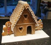 Celebrate-Cakes-Gingerbread-House