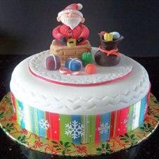 Celebrate-Cakes-Santa-in-Chimney2