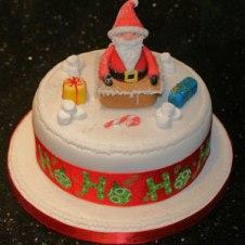 Celebrate-Cakes-Santa-in-Chimney4